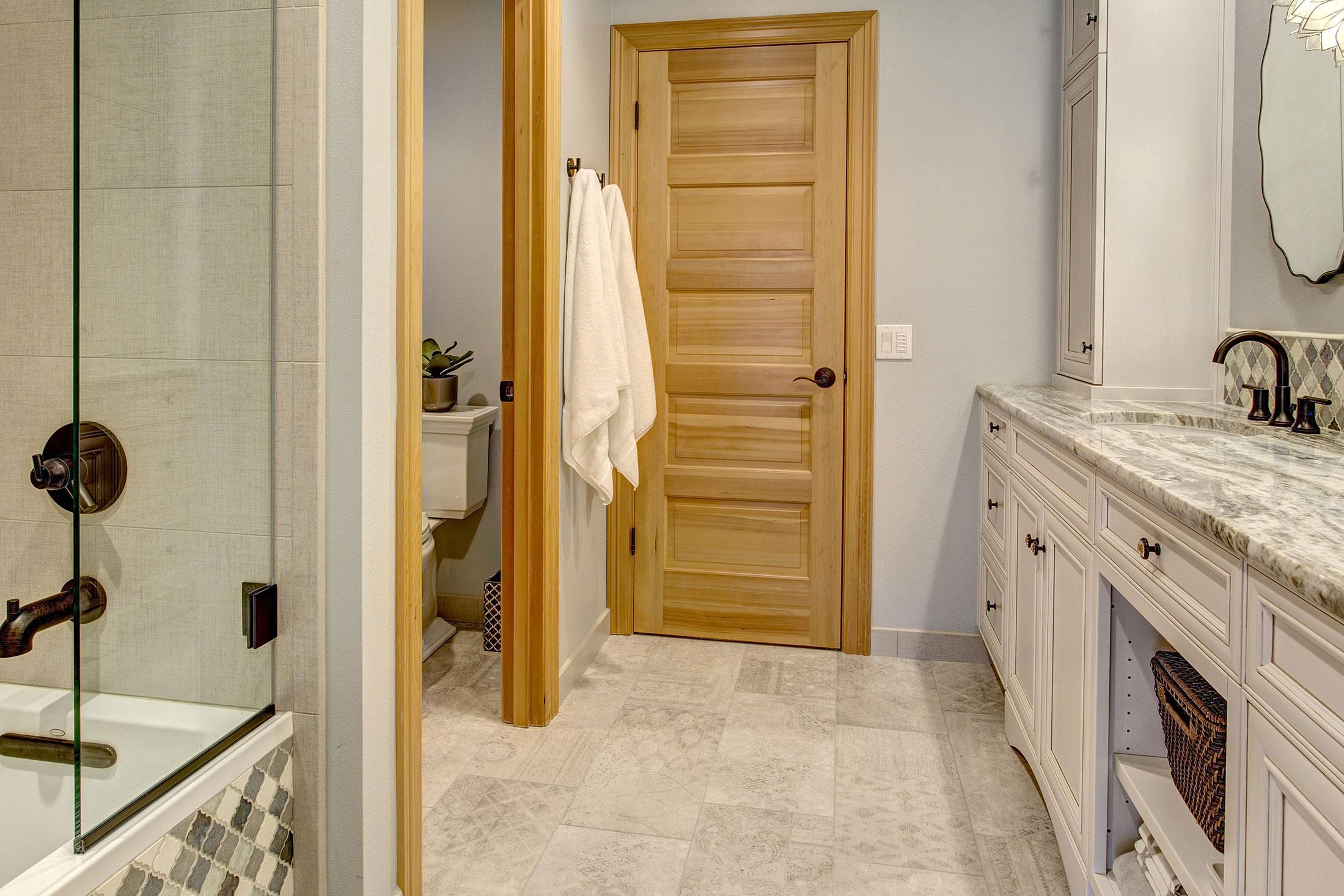 Bathroom10-min_0