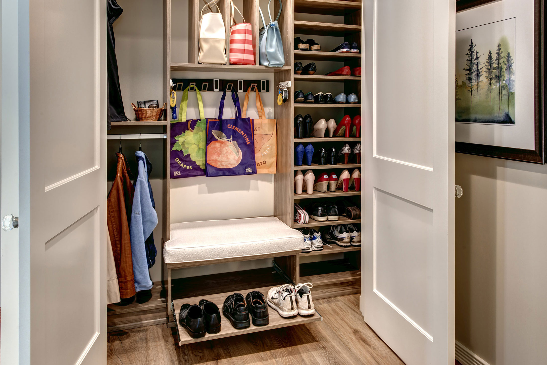Closet01-min