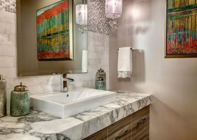 Powder Room with Pinache – 2017 Award-Winning Project