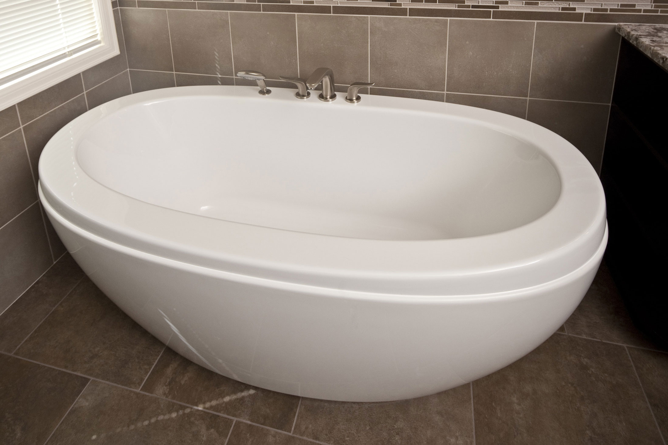 freestanding-tub-min